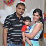 amol shadev with his family cout -scoopwhoop