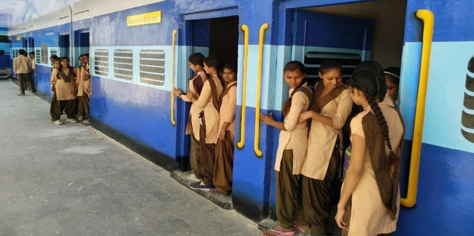 school painted as train in rajasthan alwar